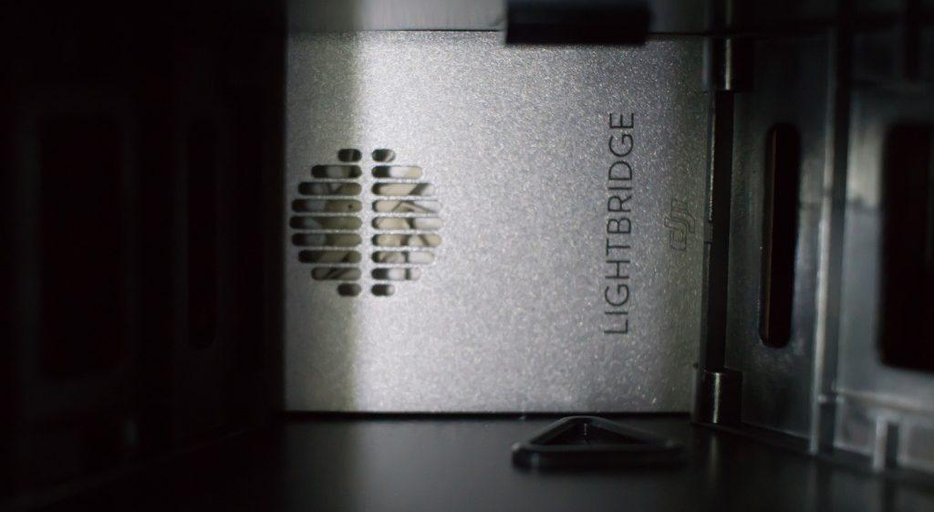 Система передачи сигнала и видео DJI Lightbridge 2, установленная на DJI Matrice 600