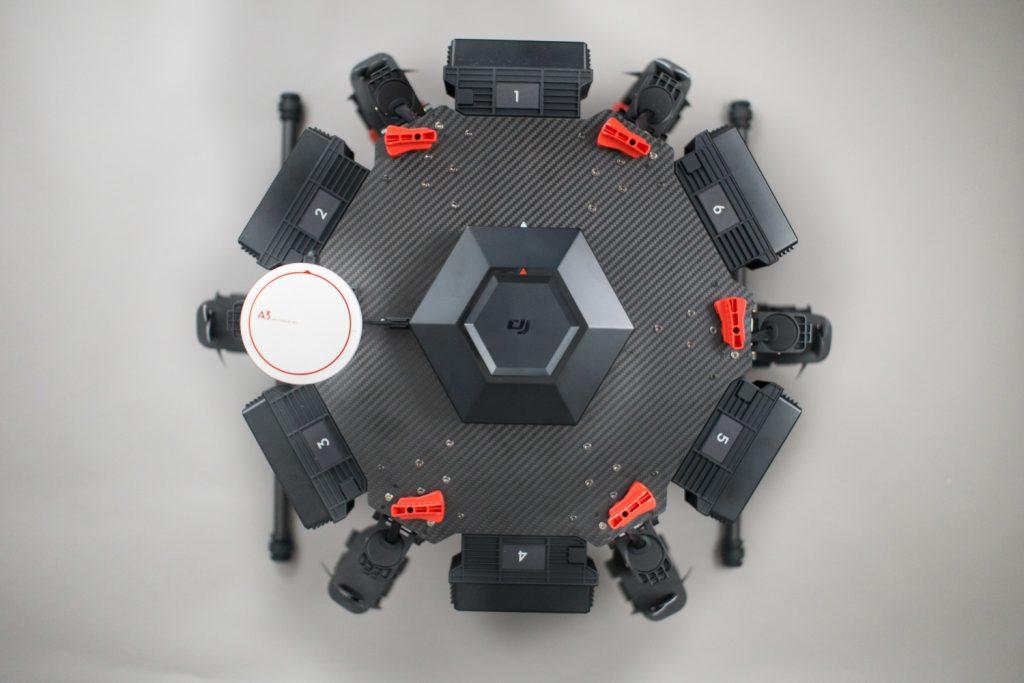 Прочная рама является основой конструкции гексакоптера DJI Matrice 600