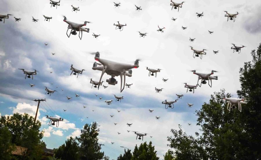 Увеличение количества дронов и использование рядом лиц и организаций целых эскадрилий БПЛА - другая важная проблема