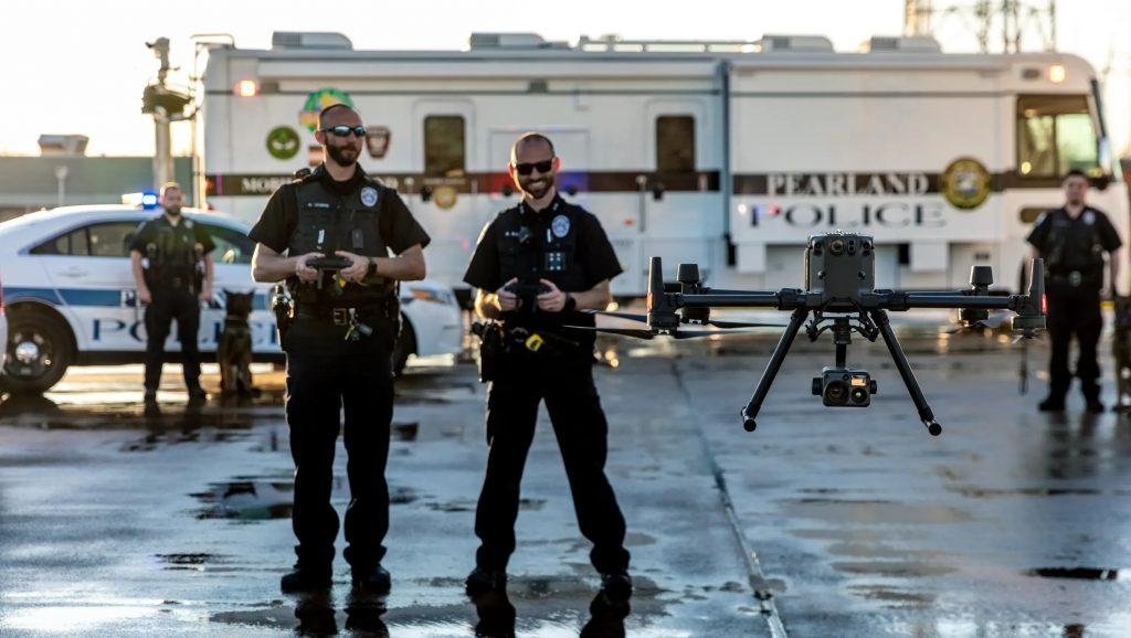 Теперь два оператора могут управлять работой полетной платформы и ее полезной нагрузкой на равных условиях