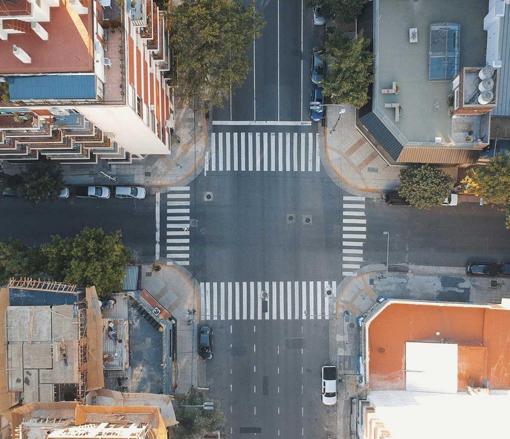 Улицы Буэнос-Айреса - столицы Аргентины. Съемка с дрона.
