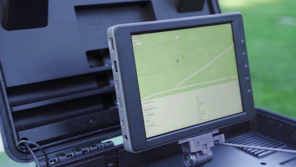 2017 год стал прорывным для технологий безопасности БПЛА: DJI выпустила на рынок стационарную и мобильную версии своей системы обнаружения и мониторинга дронов DJI AeroScope