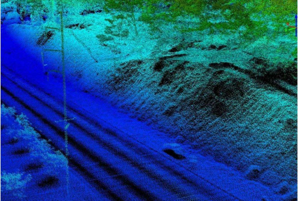 Участок трассы, снятый в ночное время с помощью беспилотника, оборудованного LIDAR