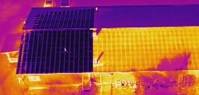Кровля дома в объективе тепловизионной камеры