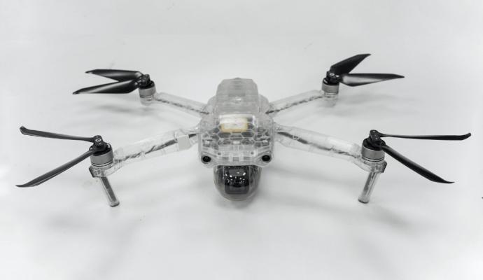 Первый образец будущего квадрокоптера для тестирования конструкции