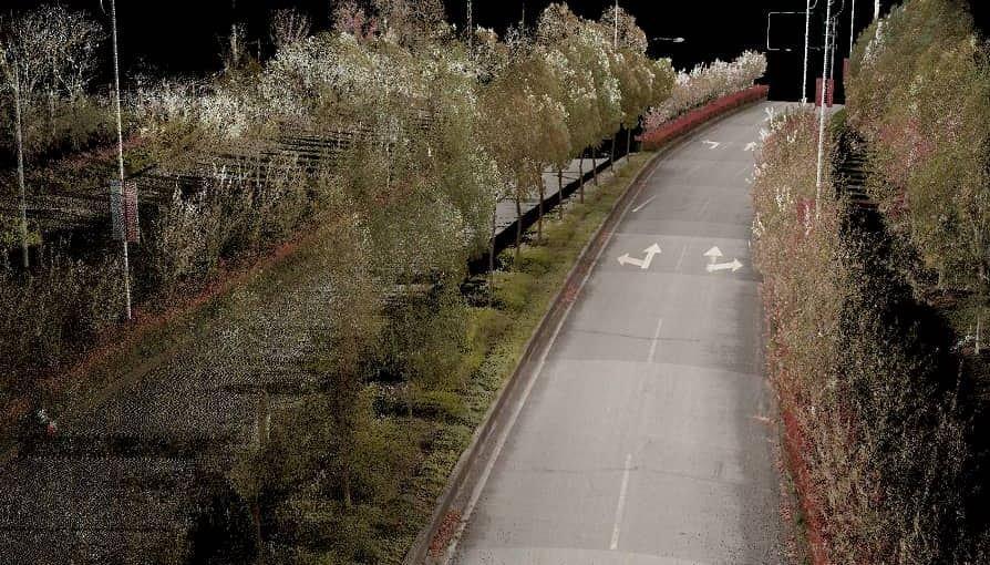 Цифровой двойник автомобильной трассы, созданный с помощью дрона